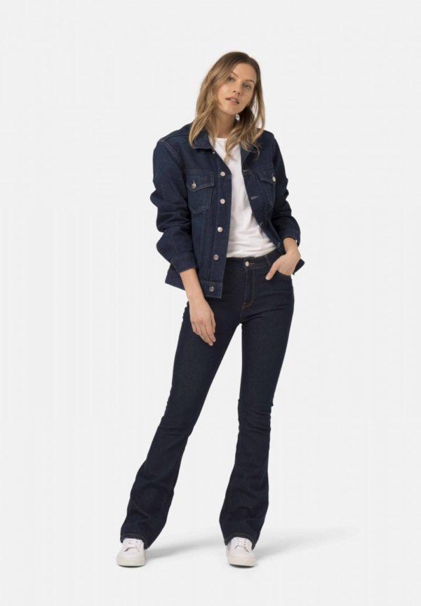 MUD_Jeans_Flared-Hazen_recycled-denim_duurzame_jeans_bij_DithaBonita1